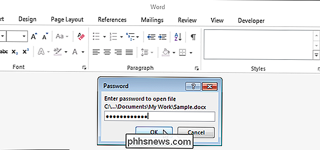 Come aggiungere una password aperta a un documento Word
